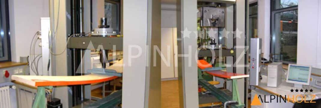 Pruebas de resistencia de mesas y bancos plegables de madera Alpinholz