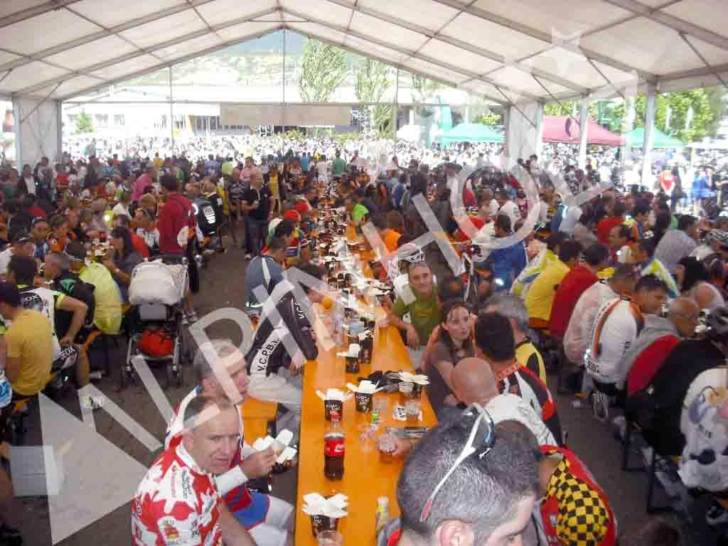 Mesas plegables alemanas para eventos deportivos