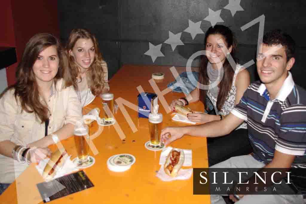 Mesas plegables de Alpinholz, las mesas cerveceras para eventos y fiestas