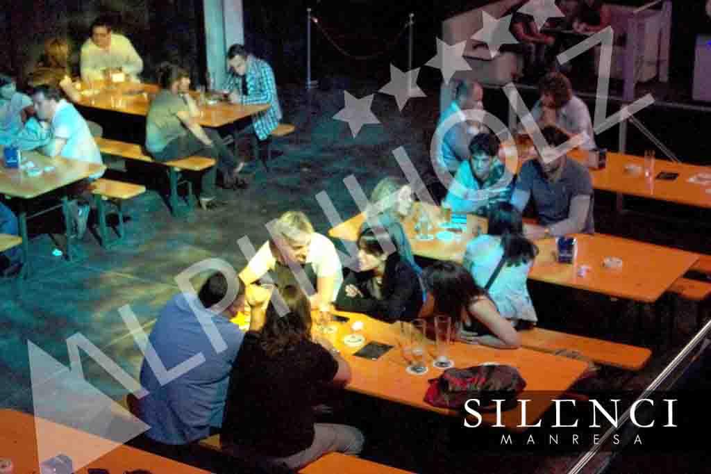 Mesas plegables y bancos plegables Alpinholz, mesas de oktoberfest