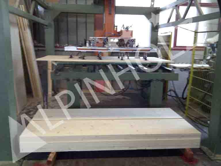 En Alpinholz somos fabricantes de mesas y bancos plegables de madera