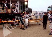 Mesas y bancos plegables de madera Alpinholz presentes en el Rally Dakar