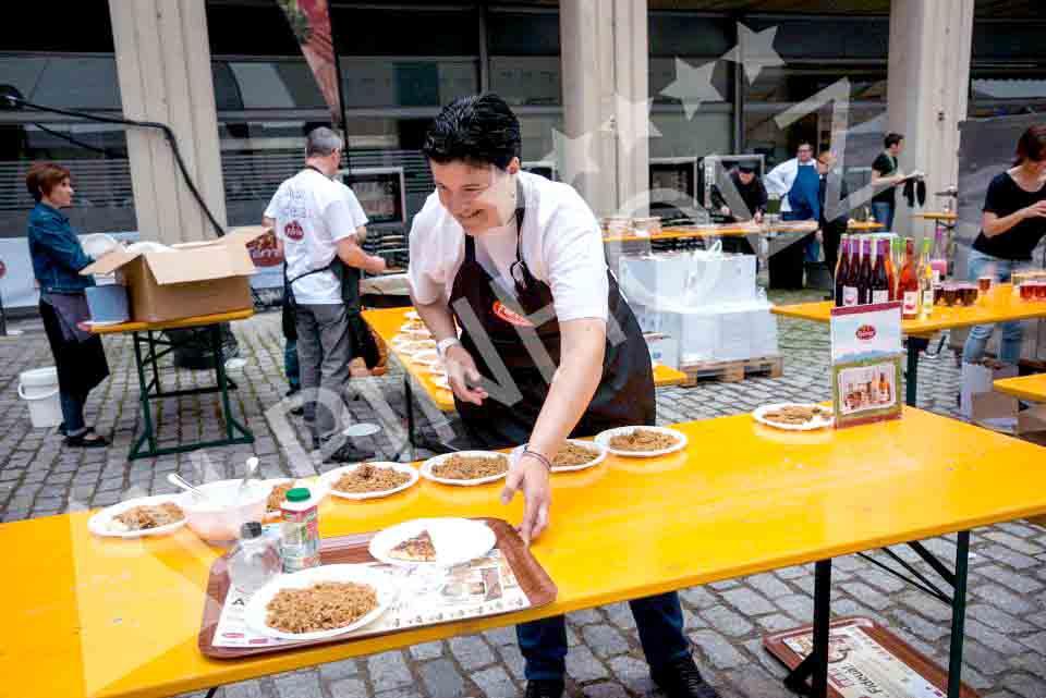Mesas plegables de madera de Alpinholz, mesas cerveceras para fiestas y eventos