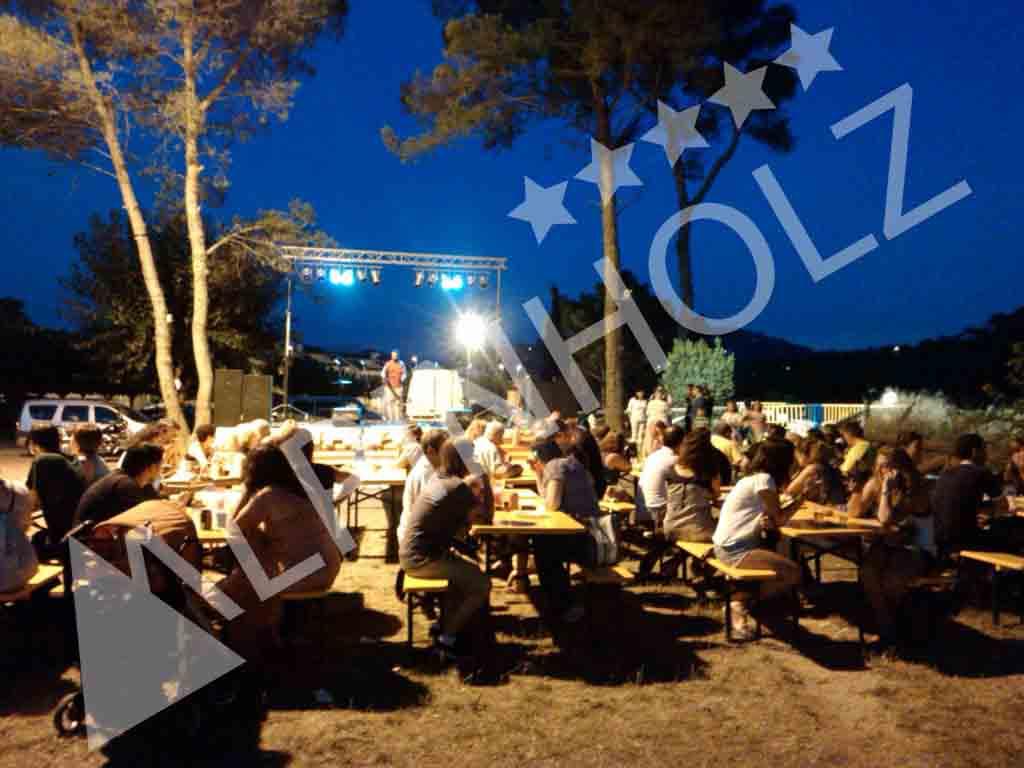 Mesas y bancos plegables de madera Alpinholz, mesas de alquiler para eventos y fiestas