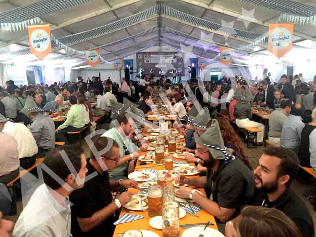 Mesas cerveceras europeas de Alpinholz, mesas y bancos plegables de madera