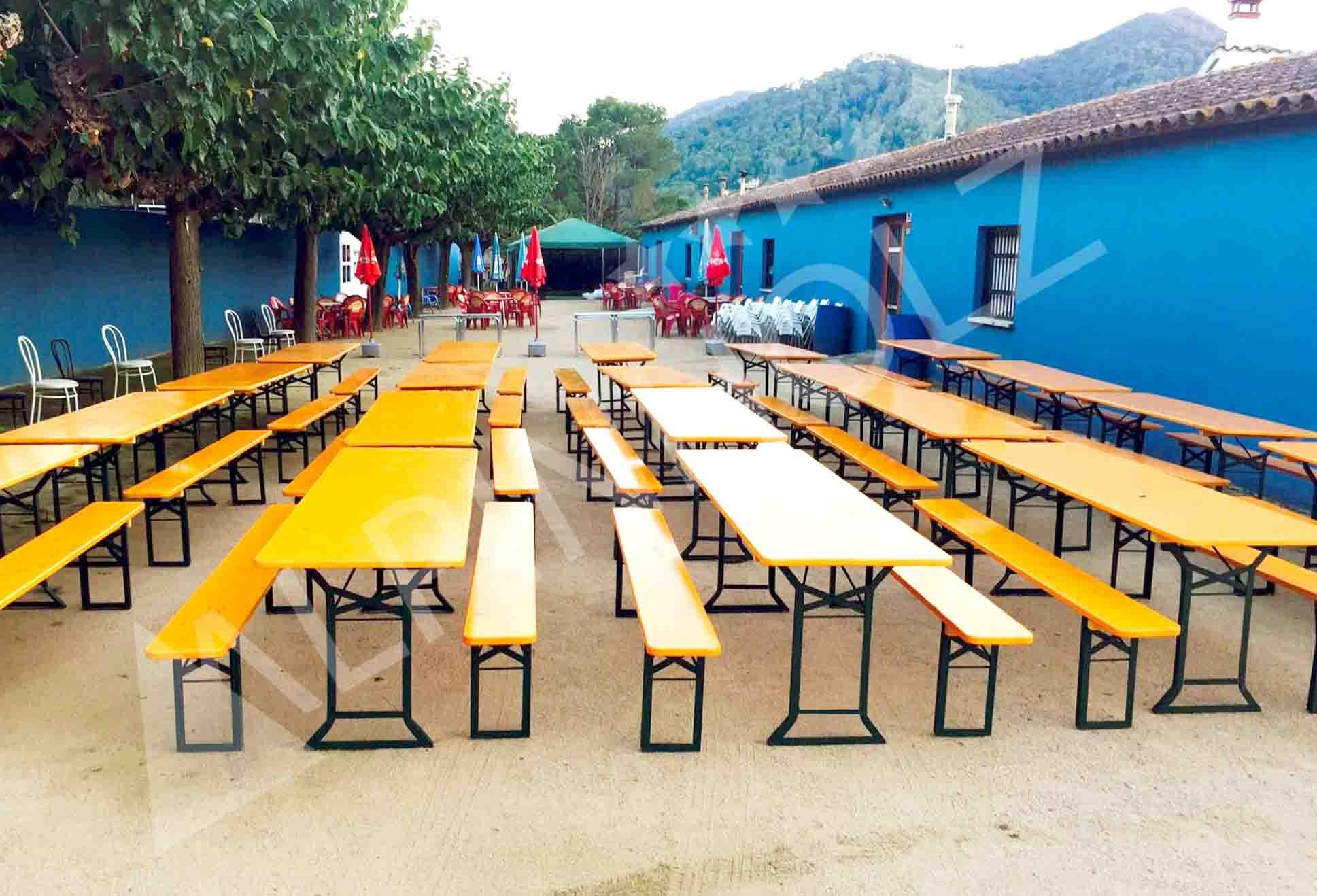 Mesas y bancos plegables para hostelería