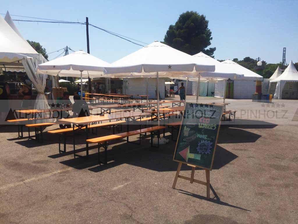 Alquiler de mesas plegables para festivales