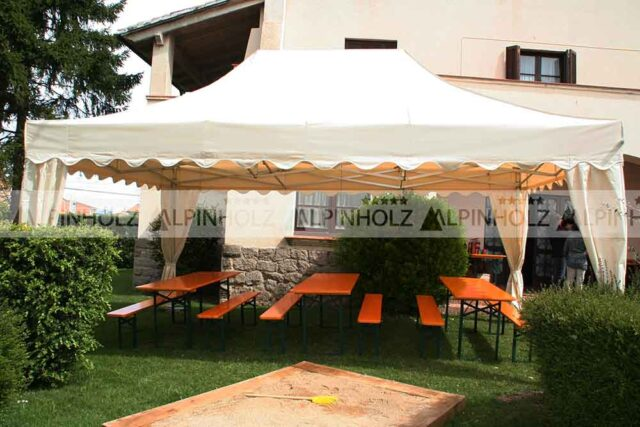 Carpa Qualytent y mesas alpinholz