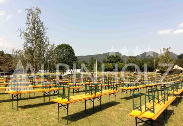 Mesas y bancos plegables para jardín